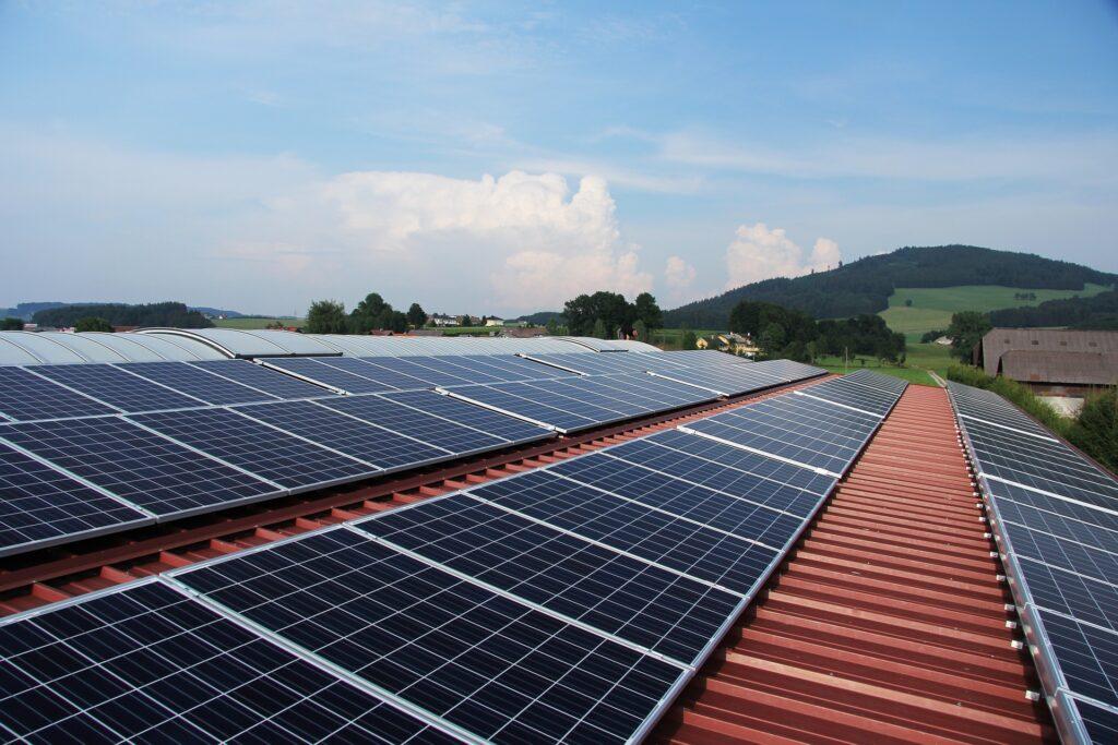 Der Aufbau einer Solaranlage im Zeitraffer
